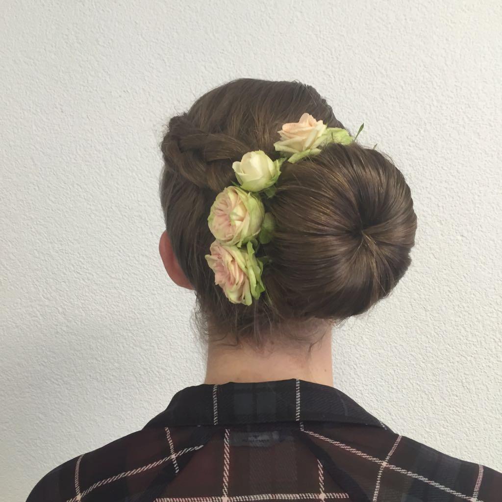 Blumen Im Haar Coiffure Activ Ch